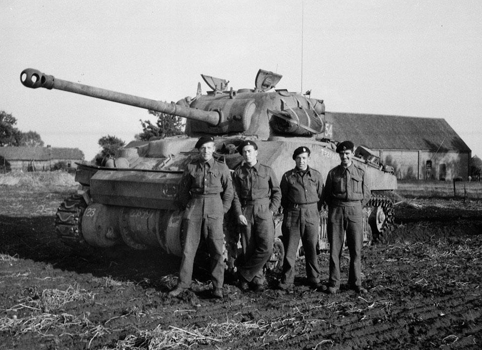 Szentjánosbogarak a háborúban – a brit Sherman Firefly harckocsi