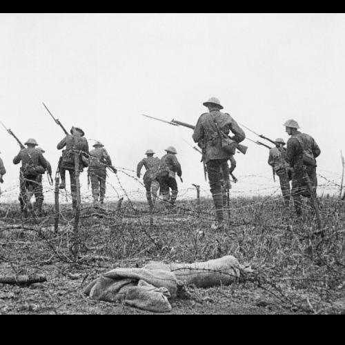 """""""A szögesdróton lógva…"""" – egy tisztellenes brit nóta az első világháborúból"""