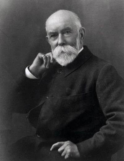 Thomas Burberry (1835–1926), a gabardin anyag feltalálója és a Burberry cég alapítója. Forrás: fashionmodeldirectory.com