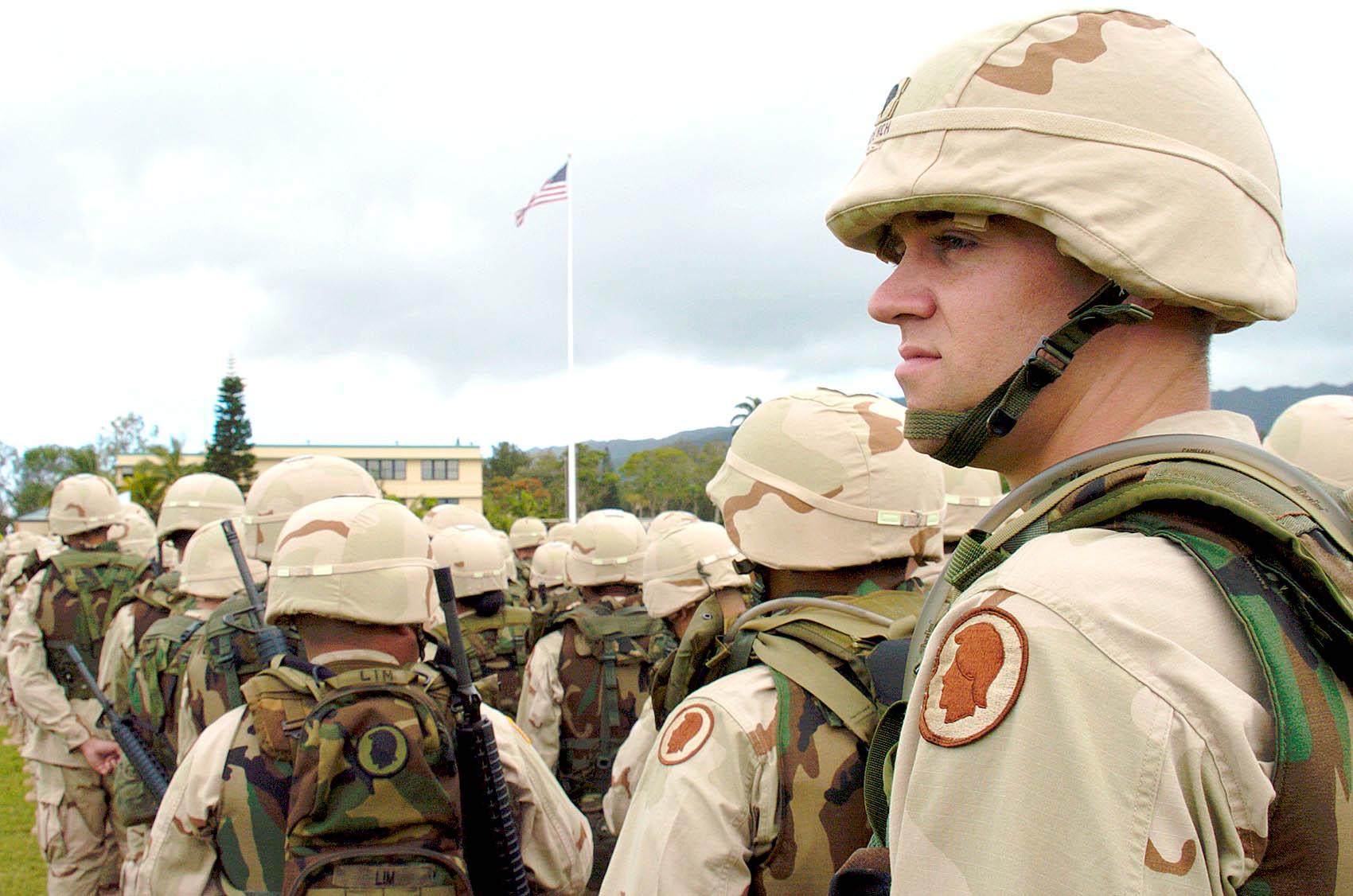 Amerikai katonák PASGT sisakban, 2004. Forrás: 25idl.army.mil