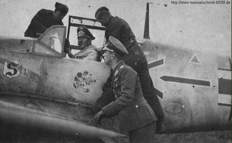 Adolf Galland és a felfegyverzett Miki egér