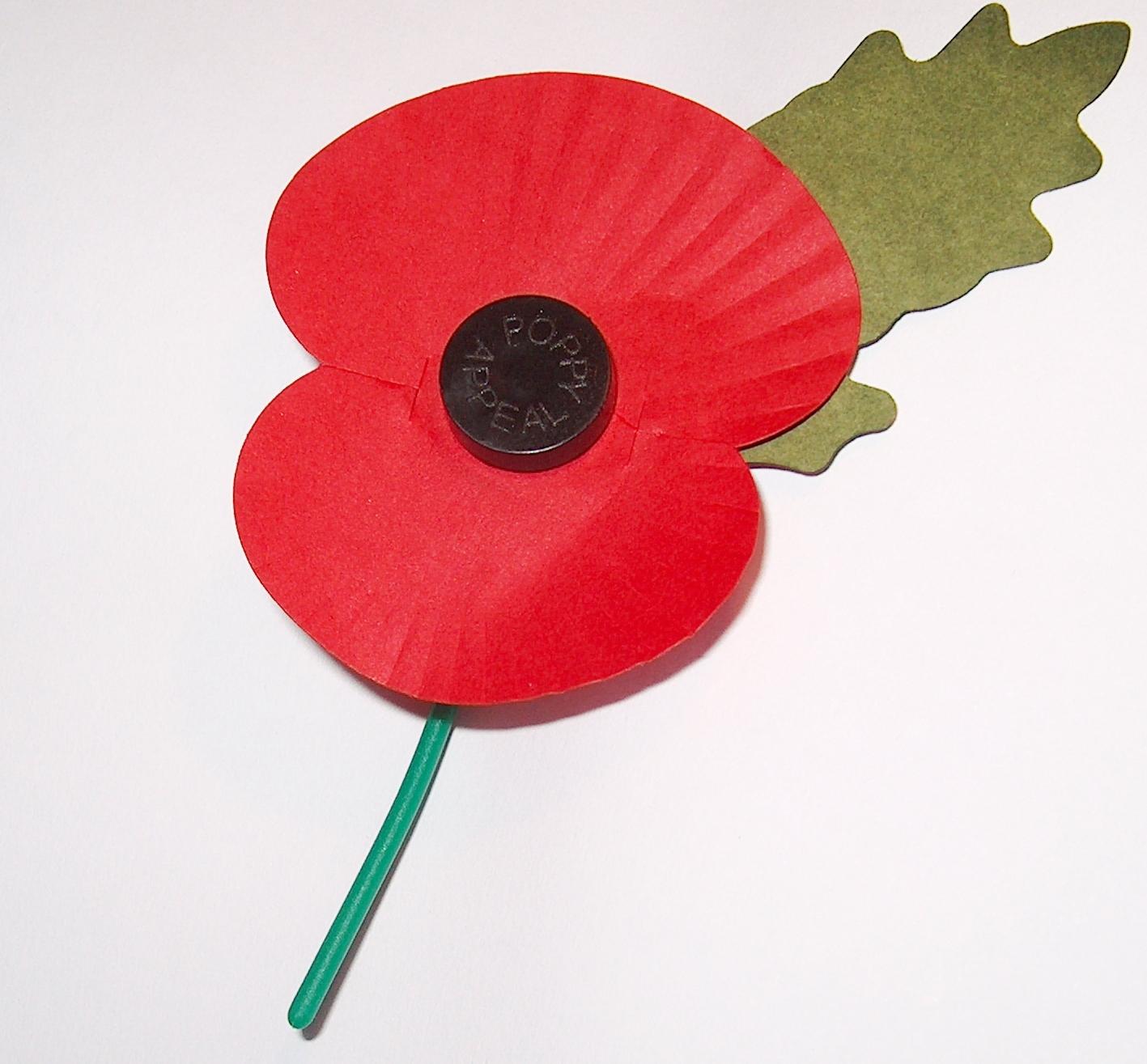 A Royal British Legion jótékonysági szervezet pipacsa, amit november 11-re gyártanak. Forrás: Wikimedia Commons