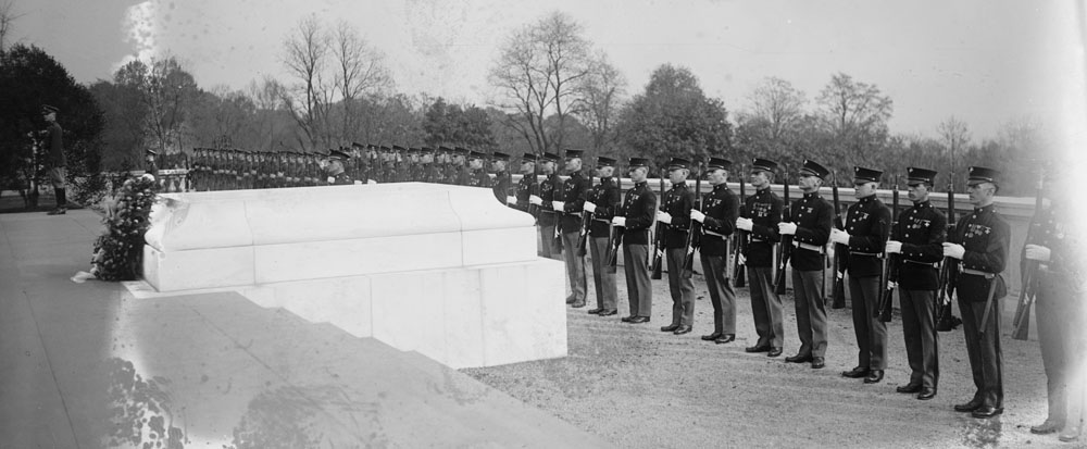Az amerikai Ismeretlen Katona sírja, 1922. Forrás: Library of Congress