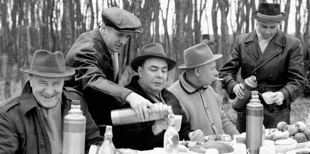 A meglepően jókedvű Kádár és Brezsnyev Soponyán, 1965-ben