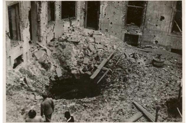 A ledobott 32 bomba többsége a kassai Bethlen Gábor és Görgey Artúr laktanyákat érte