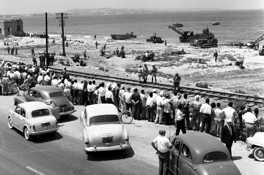 Váratlan látványosságot hozott a libanoni tengerparton az amerikai katonák partraszállása.