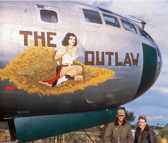 Az Outlaw és ketten legénységéből