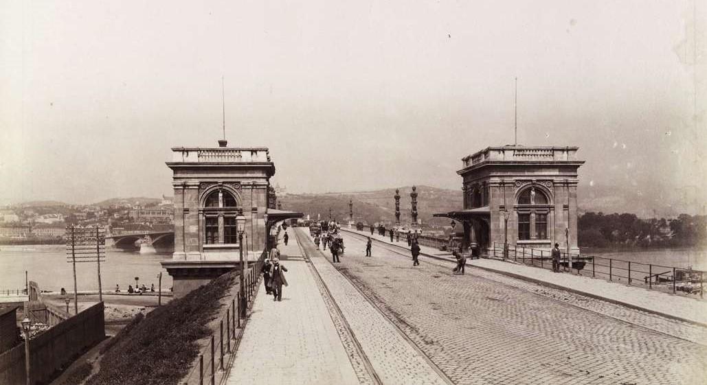 """""""A Margit-híd nem visz sehonnan sehová"""" – 22 kép a változó Budapestről"""