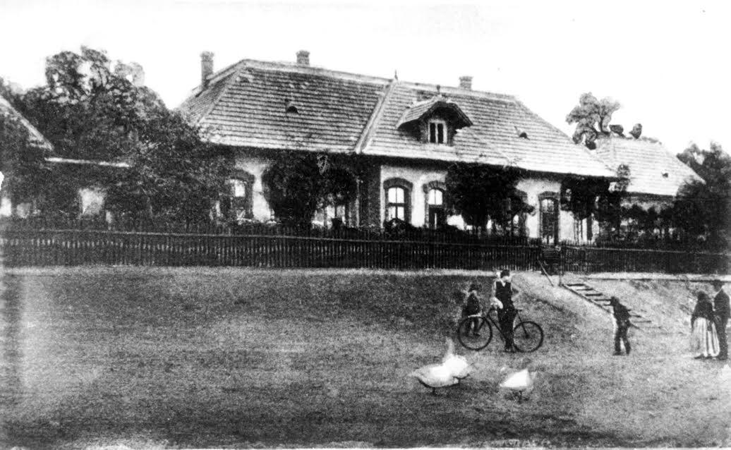 A régi tatabányai bányakórház a századfordulón (forrás: Tatabányai Múzeum)