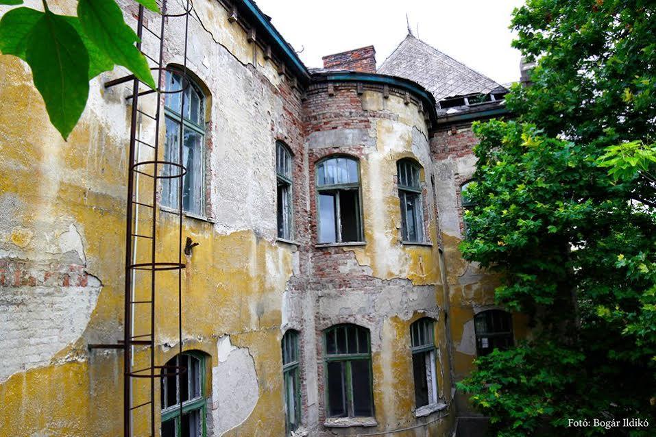 Az egykori bányakórház épülete 2012-ben (forrás: Bogár Ildikó)