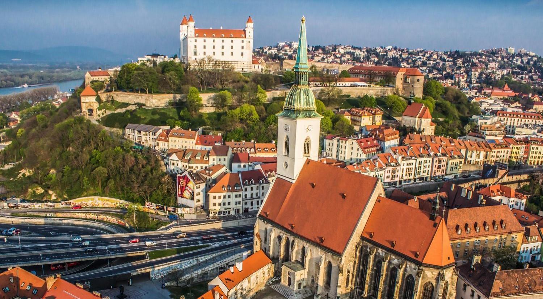 17 fotó a városkép átalakulásáról: hogyan lett Pozsonyból Bratislava