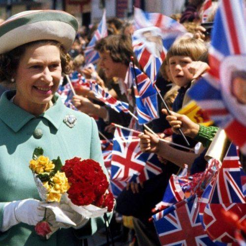 27 fotó a ma 91 éves II. Erzsébet brit királynőről