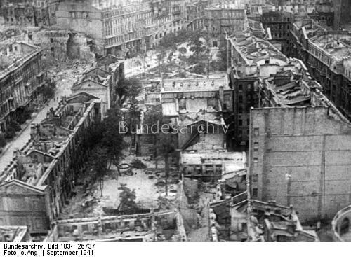 Elpusztított háztömbök 1941 szeptemberében, Bundesarchiv, Bild 183-H26737