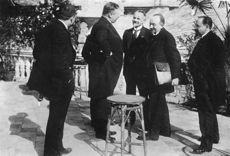 A Rapallói szerződés aláírása után, Bundesarchiv Bild 183-R14433