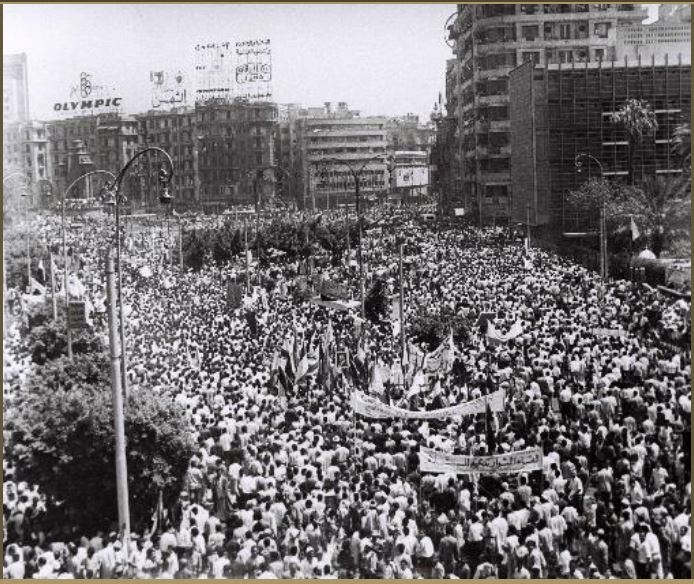 fig-7-tahrir-sq-june1967-post-defeat-protest