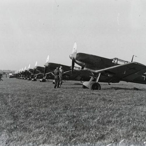 """A """"budaörsi légiháború"""" – Reptéravató repülőnap"""
