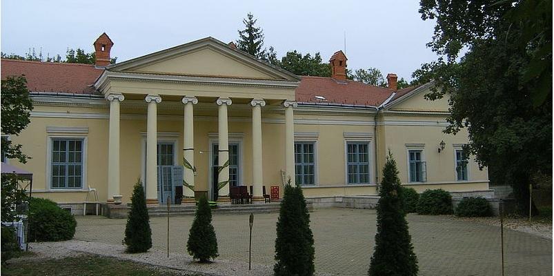 Magyarország egy rejtett történelmi kincse – A fenyőharaszti Podmaniczky-kastély