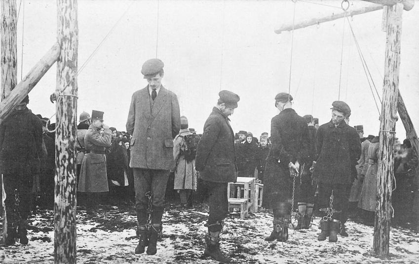 Kémkedéssel gyanúsított civilek akasztása 1914/1915 telén. Forrás: spiegel.de