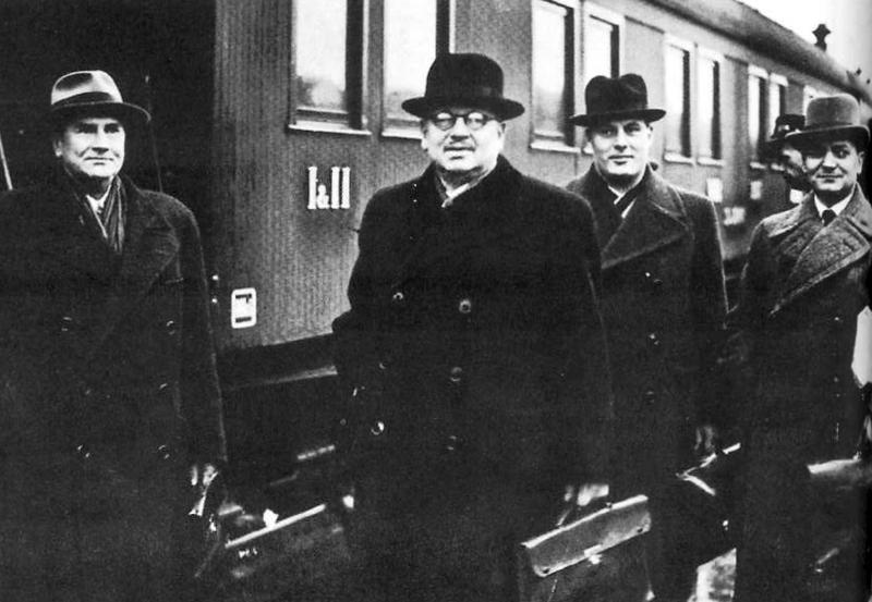A finn tárgyalódelegáció Moszkvába érkezik 1939. október 16-án. Wikipedia