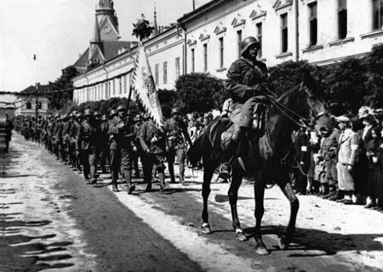 """""""Az ukránok cseh szuronyok védelme alatt bátran szervezkednek"""""""
