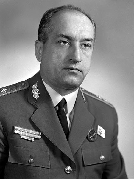 Csémi Károly, itt már altábornagyi rangban