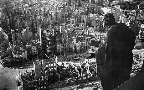 """""""ÍGY ROMBOLTAK ÉS ÖLTEK AZ EMBEREK AZ ÚRNAK 1945. ESZTENDEJÉBEN…""""  Egy kiadatlan magyar visszaemlékezés Drezda bombásáról"""