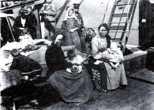 Brazíliába utazó portugál hölgyek egy hajón Forrás: Wikipedia