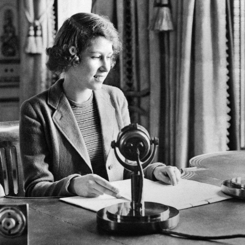 A hercegnő, 1940-ben, egy Childern's Hour című, gyermekeknek készített rádióműsorban szerepelt. Legjobb kívánságait fejezte ki azon gyerekek számára, akiket a háború alatt Amerikába, Kanadába és más országokba evakuáltak.