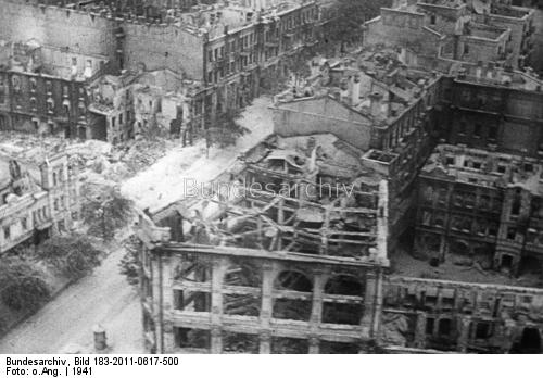 Kijev felrobbantott városrésze, 1941. október 16-án. Bundesarchiv, Bild 183-2011-0617-500