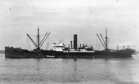 Magyar hajó német célkeresztben; a KELET gőzös elsüllyesztése