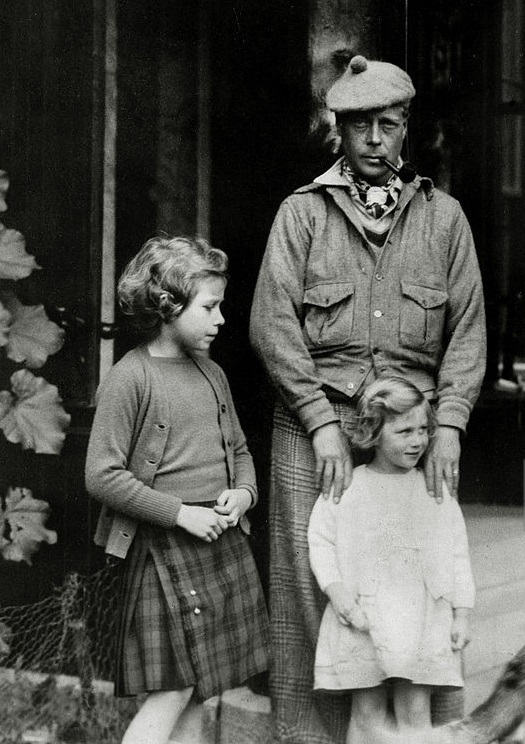 David walesi herceg, Erzsébet (bal oldalon) és Margit hercegnők 1935 körül. Forrás: Getty Images