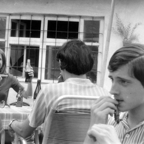 """""""Már képeslapokat látok tőle. Ez kábítószer!"""" – A Coca-Cola Magyarországon a szocialista időszakban"""