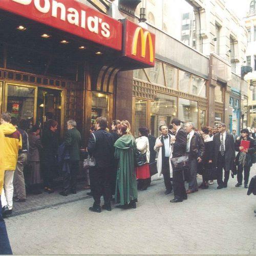 """""""Fald fel Amerikát! I. rész""""- Az első hazai McDonald's megnyitása"""