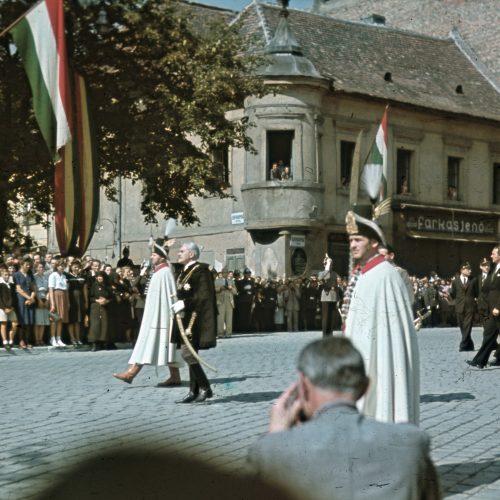 Menekülés az alagútban, kerítésmászás és leborotvált bajusz – két magyar miniszterelnök a Budai Várban a német megszállás után