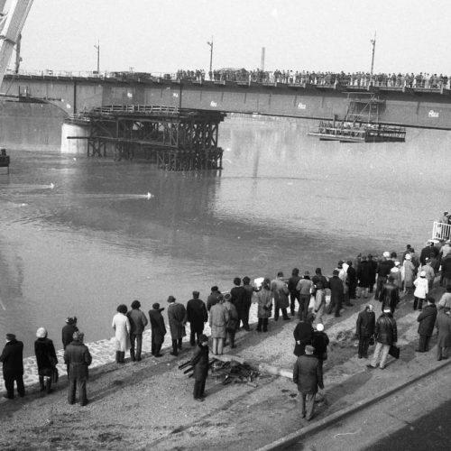 """""""Jani bácsi! Kapitány elvtárs!"""" – A Herszoni Hajógyár, a Clark Ádám úszódaru és a tragikus balesetet szenvedett Hableány hajó háttértörténete"""