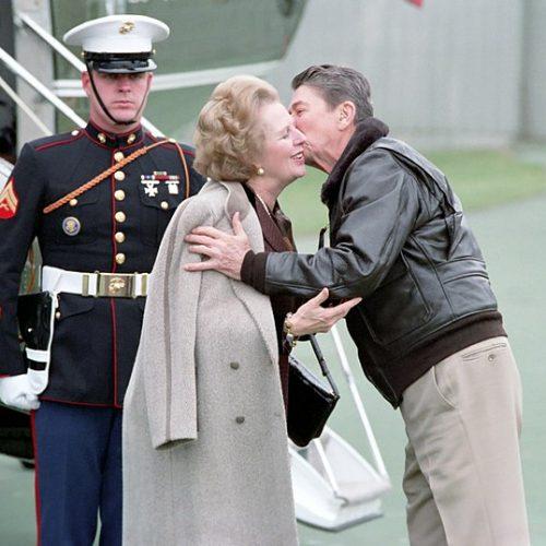 A cowboy és a lady – Recenzió Reagan és Thatcher – Egy különleges kapcsolat című könyvről.