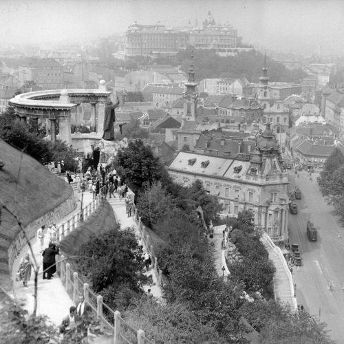Szent Gellért budapesti szobra a 20. század első felében